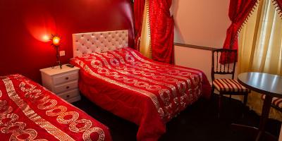 image Chambres Triple Confort de l'hôtel Henri 4  à Sully sur Loire